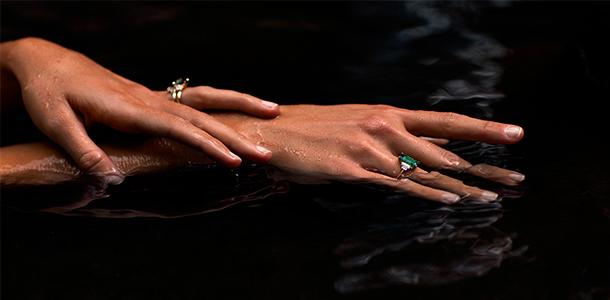 Можно ли принимать ванну в ювелирных изделиях?